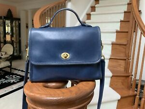 BRAND NEW WITH DEFECTS VINTAGE COACH BLUE TURN LOCK COURT CROSSBODY BAG