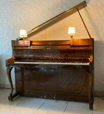 Wilhelm Schimmel Klavier Chippendale Stil, Nußbaum mit aufstellbarem Flügel