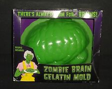 2006 Zombie Brain Plastic Gelatin Mold In Box   Perfect for Holiday Brain Drain