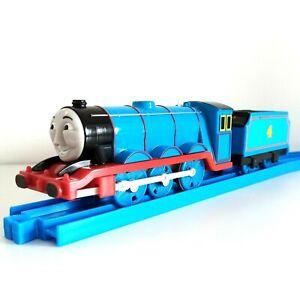 Thomas TrackMaster GORDON Train with Linked Tender Motorised Battery Op Set GWO