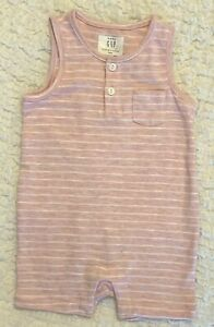 BABY GAP GIRLS SIZE 6 12 MONTHS 100% COTTON PINK STRIPED SHORTS ROMPER OUTFIT