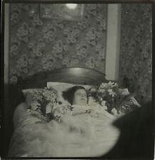 PHOTO ANCIENNE - VINTAGE SNAPSHOT - POST MORTEM DÉFUNT MORT FEMME - DEAD WOMAN