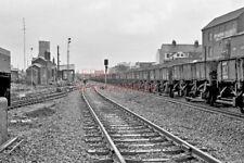 PHOTO  NEWBURY  BALLAST TRAIN - READY TO DUMP LOAD 1978