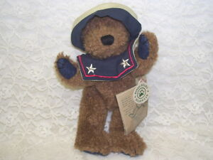Patriotic Boyd's Bear Worthington Fitzbruin