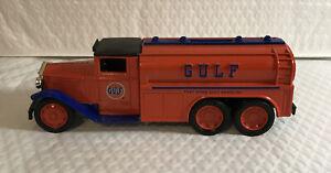 "ERTL-1930 1/34 Scale Die-Cast ""Diamond T"" Tanker Truck Locking Coin Bank"