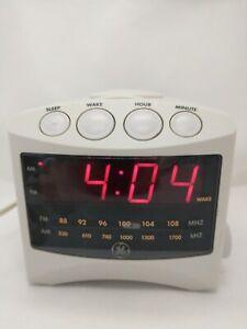 General Electric Model 7-4806A GE AM/FM Digital Alarm Clock Radio Tested