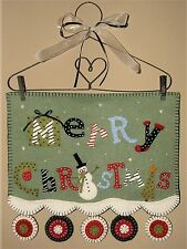 "Primitive Wool Felt Wall Hanging Penny Rug Kit Wool Embroidery ""MERRY CHRISTMAS"""