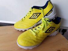umbro soccer shoes Size 7 us