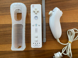 Official White Nintendo Wii / Wii U Remote Controller and Nunchuck Motion Plus