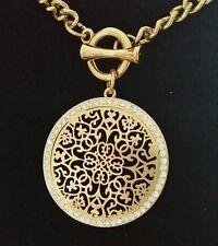 eceb42ef10834 Farbe Gold - Collier Kette 45 cm + Anhänger Ornament mit vielen Kristallen  NEU