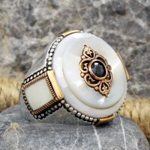 Mens Heraldic Design Statement Vintage Ring Round Mother of Pearl Stone Jewelry