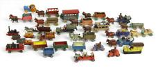 großes Konvolut Seiffener Miniaturen u.a. Pferdegespanne, Feuerwehrauto, Postbus