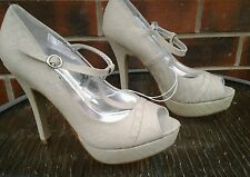NEW Ladies Cream Shoes, Atmosphere, Size 6