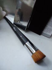 100% Authentic DIOR FS Backstage Brushes Fluid Foundation Brush New Creased Box