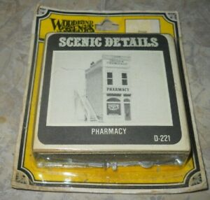 Vintage WOODLAND SCENICS HO/HOn3 scale PHARMACY D-221
