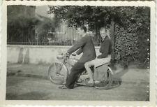 PHOTO ANCIENNE - VINTAGE SNAPSHOT - MOTO MOTOCYCLETTE LIBÉRATION -MOTORBIKE 1944