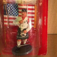 Fireman Firefighter with Flag USA  2003  del Prado item BOM107