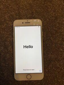 Apple iPhone 7 - 32GB - Silver (Unlocked)