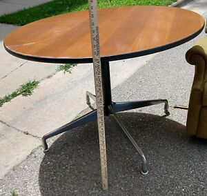 "Herman Miller Eames 41.5"" round dining table"