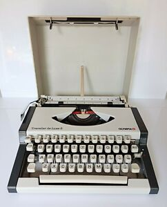 Olympia Traveller De Luxe S Portable Typewriter with Carry Case & New Ribbon