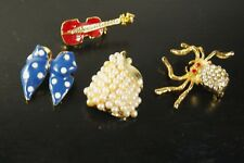 VINTAGE LOT OF 4 PSC JEWELRY GROUP MINIATURE  BROOCH,BOW, SPIDER, PEAR, GUITAR