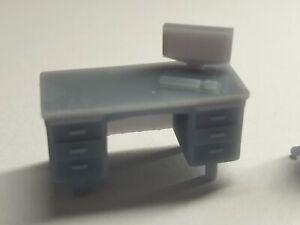 1/64 Scale Resin Desk & Chair Hot Wheels Matchbox Diorama
