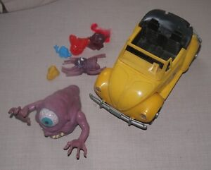 VINTAGE KENNER GHOSTBUSTERS BETTLE CAR AND Action Figures