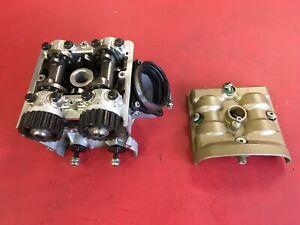 D42  Ducati 1198 Zylinderkopf  Nockenwellen Zylinder hinten Stehender  Motor