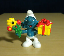 Smurfs Present Smurf Gift + Flowers Toy 80s Figure Vintage PVC Figurine 20040
