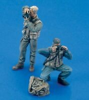 1/35 Resin War Photographer 2 Figures unpainted unassembled CK084
