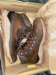 Brand New Keen Hiking boots 8.5 mens
