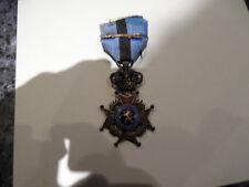 belle medaille ordre de leopold bilingue sabre croisé sur le ruban