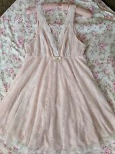Oscar De La Renta Vintage Nightie  Babydoll  Nightgown  Size M  Pink and Lacy