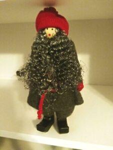"IKEA VINTER 2019 CHRISTMAS 10"" SWEDISH GIRL STANDING RED HAT GRAY COAT NEW FREES"