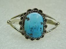 Southwest Scallop Design Sterling Silver & Turquoise Cuff Bracelet N432-N