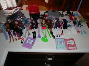 Monster High Doll Lot Dolls & Accessories
