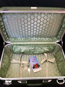 Vintage Amelia Earhart Avocado Suitcase Luggage WITH KEYS
