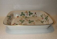 Wedgwood Wild Strawberry Rectangular Baker Earthenware Gold Trim Oven To Table
