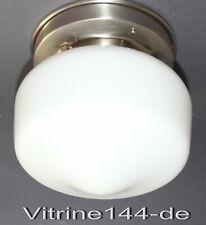 BAUHAUS DECKEN- oder WANDLEUCHTE Designleuchte Opalglas mit silbernem Halter