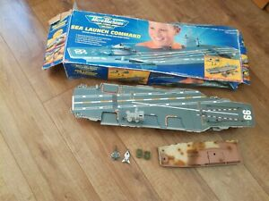 Micro Machine Military Aircraft Carrier Sea Launch Command 1998 Galoob & planes