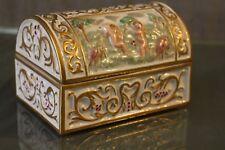 Boite coffret cassone aux Amours Renaissance porcelaine signée P.B. J. Rossignol