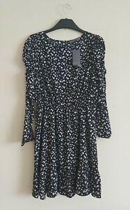Long Sleeve Floral Print Dress,  Size 10 Petite. BNWT