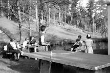 Famille pique nique tennis de table ping pong - Ancien négatif photo an. 1930