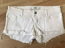 GILLY HICKS White Low Rise Denim Shorts *Waist 25*