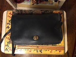 COACH VINTAGE Black Leather 9635 SHOULDER BAG OR CLUTCH Made in USA