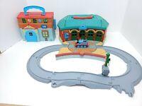 Thomas Train Station Take Along Learning Curve 2002 Track, Engine Wash, Thomas