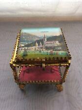 Coffret à bijoux en laiton doré et verre soufflé et biseauté Souvenir de Lourdes