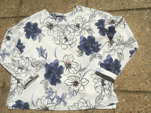Ladies Floral Pattened Top From Marks And Spencer Size 12
