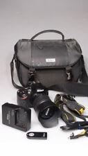NIKON D3200 24.2MP DIGITAL SLR CAMERA W/ 55-200mm zoom lens/case excellent+++