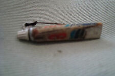 RARE VINTAGE NON ENAMELED GIBBS SR TOOTHPASTE TUBE 3D BUTTON METAL BADGE BROOCH